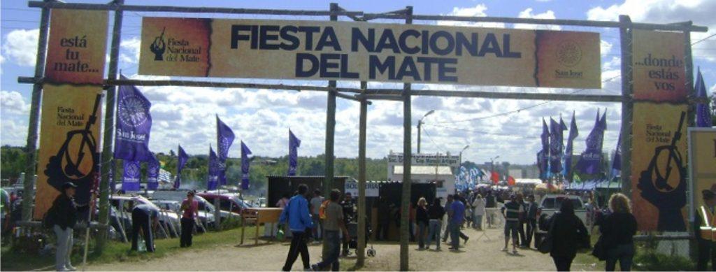 puerta de ingreso a la fiesta del mate tradiciones uruguayas