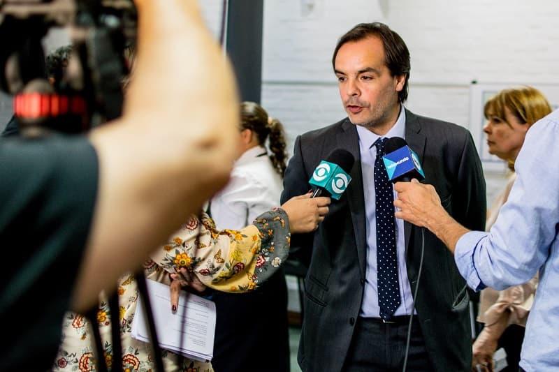 Andrés Gil (5M Travel Group) atiende a varios informativos de televisión