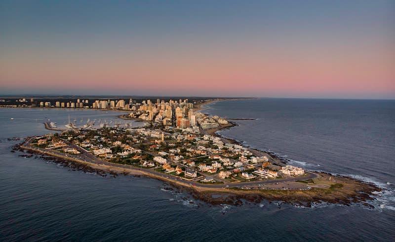 Imagen aérea de la península de Punta del Este